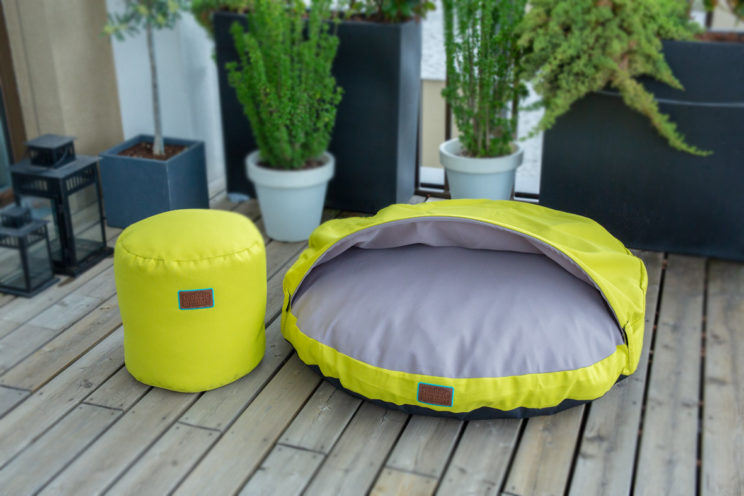 snuggle-dreamer-outdoor-hundehoehle_kokolores-lime-grey-hocker-siton-lime-1
