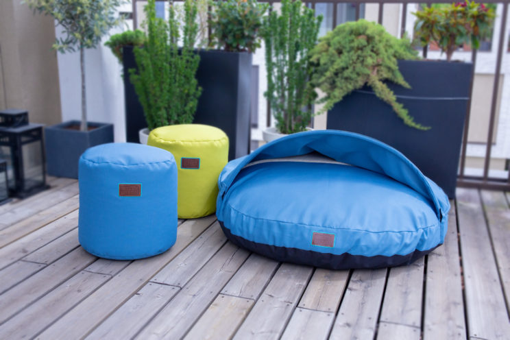 snuggle-dreamer-outdoor-hundehoehle_picknicker-blau-hocker-Siton